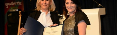 "Maura Horan, College Web Officer / Manager at TCD, collecting a Fundraising award in the ""'Long Video"" category with CASE President Sue Cunningham, at the CEAC 2015 Gala Dinner"